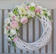 spring wreath with birdhouses Diy Wreath, Door Wreaths, Easter Wreaths, Christmas Wreaths, Straw Wreath, Deco Floral, Summer Wreath, How To Make Wreaths, Spring Crafts