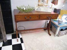 wood inlaid desk $149