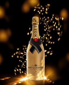 The Moët & Chandon Diamond Collection embodies the entire essence of the famous French brand's expertise. Champagne Taste, Whiskey Decanter, Fancy Drinks, Moet Chandon, Famous French, French Wine, Event Decor, Alcoholic Drinks, Diamond