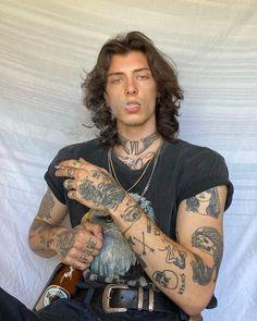 Jj Tattoos, Hot Guys Tattoos, Neue Tattoos, Hand Tattoos, Tatoos, Beautiful Boys, Pretty Boys, Beautiful People, Aesthetic Tattoo
