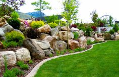 ✓ 80 Stunning Rock Garden Landscaping Design Ideas - Widespread rock backyard crops develop naturally on excessive mountains, the place they should stand as much as harsh circumstances similar to intense solar, excessive winds, and drought. Landscaping With Boulders, Hillside Landscaping, Front Yard Landscaping, Landscaping Design, Rockery Garden, Rock Garden Plants, Garden Stones, House Landscape, Garden Landscape Design