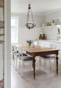 farm table clean white kitchen