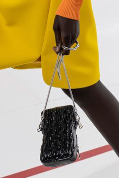 Miu Miu, Vogue Paris, Fashion Bags, Fashion Show, High Fashion, Luxury Fashion, Women's Fashion, Black Cross Body Bag, Little Bag