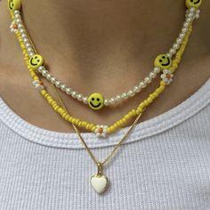Bead Jewellery, Beaded Jewelry, Jewelery, Beaded Bracelets, Trendy Jewelry, Cute Jewelry, Jewelry Accessories, Diy Necklace, Necklace Designs