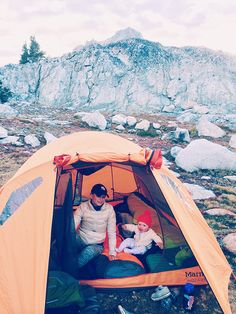 A Guide to Camping with Kids Camping Meals For Kids, Camping With A Baby, Camping Life, Family Camping, Baby Hiking, Outdoor Baby, Camping Photography, Backpacking, American Indians