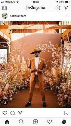 wedding how to Wedding Stage, Boho Wedding, Wedding Flowers, Wedding Photos, Dream Wedding, Photoshoot Inspiration, Wedding Inspiration, Photos Booth, Flower Installation