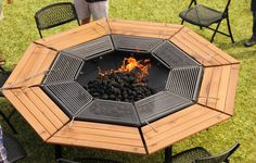 Fire Pit Wall, Fire Pit Decor, Fire Pit Ring, Metal Fire Pit, Fire Pit Area, Fire Fire, Easy Fire Pit, Large Fire Pit, Fire Pit Landscaping