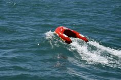 U-SAFE – A revolutionary buoy drive itself around in the water
