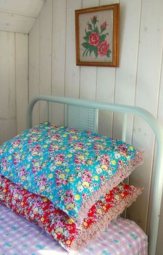 Pretty pillowcases with crochet edging @ Rosehip
