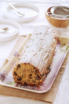 The one with all the tastes | Κέικ με μπανάνα και σοκολάτα Cake Recipes, Dessert Recipes, Desserts, Sweet Loaf Recipe, Jam Tarts, Chocolate Chip Cake, Bunt Cakes, Brownie Cake, Greek Recipes