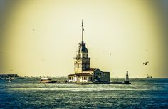 Maiden's Tower (Kız Kulesi) on the Bosphorus Strait - Istanbul Turkey by mbell1975, via Flickr