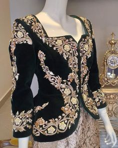 Hijab Fashion, Fashion Dresses, Fashion Week, Womens Fashion, Hijab Style, Blue Butterfly, Elie Saab, Party Dress, Bell Sleeve Top