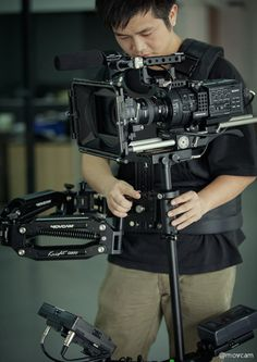 SONY NEX-FS700 and Knight D200 camera stabilizer