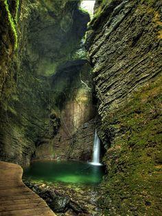 Kozjak Waterfall (3.5km), Kobarid, Triglav National Park, Julian Alps, Slovenia