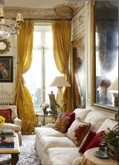 Paris Pied-à-Terre: this is so over-the-top I can't help but love it especially those curtains!