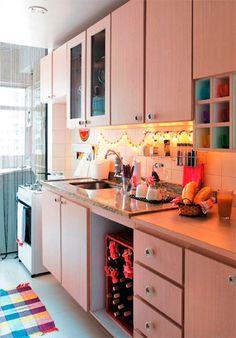 No simples também há muita beleza e criatividade. -30 cozinhas pequenas e coloridas - Casa