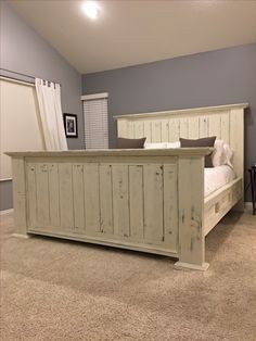 Super Old Wood Bed Frame Head Boards 25 Ideas - home/decor - Super Old Wood Bed Frame Head Boards 25 Ideas - Farmhouse Furniture, Furniture Plans, Bedroom Furniture, Farmhouse Bed, Luxury Furniture, Homemade Beds, Diy Bed Frame, Bed Frames, Custom Bed Frame