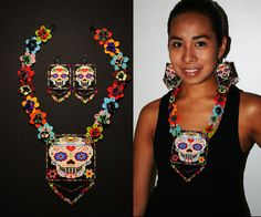 Sugar Skull Necklace with Matching Earrings, Mexican Sugar Skull Jewelry, Beaded Sugar Skull Medallion Necklace, Dia de los Muertos Jewelry - Awesome Skulls Crystal Jewelry, Beaded Jewelry, Sugar Skull Jewelry, Native Beadwork, Skull Necklace, Crochet Round, Loom Patterns, Crochet For Beginners, Bead Weaving