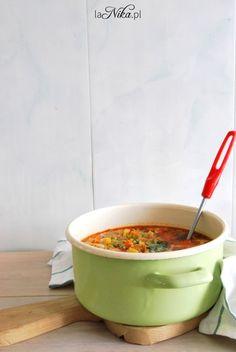 Rozgrzewająca zupa z kurczakiem, brokułem, papryką i groszkiem 2