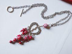 Sautoir, chaîne métal argentée, coeur argent, perles rouges en cascade : Collier par lisartbijoux