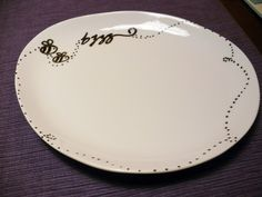 Porcelain pens on plain dishes - after baking, they are dishwasher safe!