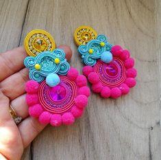 Big statement clip-on earrings, colorful pompom earrings, soutache earrings, blue yellow pink earrings with crystals Macrame Earrings Tutorial, Soutache Tutorial, Diy Tassel Earrings, Earring Tutorial, Soutache Jewelry, Bead Jewellery, Mexican Jewelry, Jewelry Making Tutorials, Handmade Necklaces