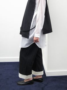 Rowena Sartin Apron Vest, Back Loop – Stand Up Comedy
