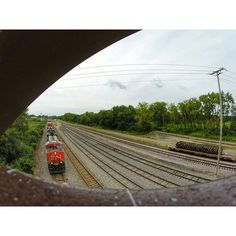 GoPro Shot 2/3 #goprotrains #artofrailroad #railroadfreaks #trains_worldwide #rsa_theyards #railroadphotography #railfans_of_instagram #railmarkable #rail_barons #railways_of_our_world #tv_transport #splendid_transport #end_of_track #daily_crossing #trb_express #flushingoutthefreights #100tonmonster #hdr_transports #midwest_railfan_group #tv_hdr #plpix #north_american_rail_pictures #thefreighttrainboomshakalocka #ptk_vehicles #fortheloveoftherails #kings_transports #train_chasers…