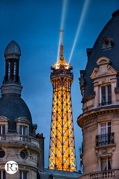 Eiffel Tower by night #paris #eiffeltower