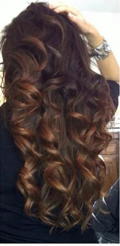 Soft Brown Curls - Hairstyles and Beauty Tips Beautiful Long Hair, Gorgeous Hair, Curled Hairstyles, Pretty Hairstyles, Style Hairstyle, Brown Curls, Corte Y Color, Natural Hair Styles, Long Hair Styles