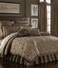 J Queen New York Luxembourg King Comforter Set In
