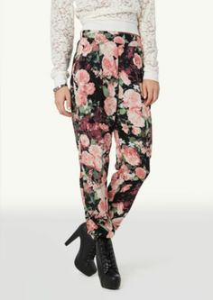 I want this whole outfit. The top, pants and boots. This would also look so cute with a black leather jacket.