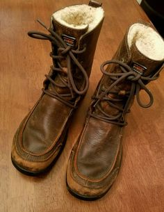 Leather Brown UGG Australia Vibram Lined Lace Up Mens Size 8M Boots Shoes #UGGAustralia #WinterBoots