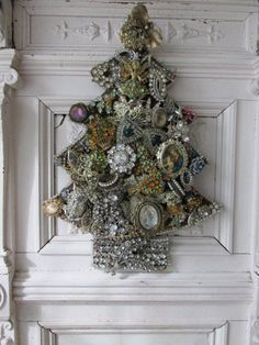 WOW! Old Vintage Thick CHRISTMAS TREE Vintage JEWELRY RHINESTONES Cut Out Hangs