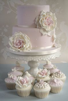 Engagement cake by Cotton and Crumbs, via Flickr