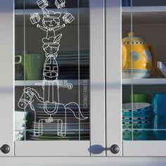 Wist je dat Sinterklaas ook een beetje acrobaat is? Samen met Amerigo en de pietjes. Vrolijke #raamtekening voor de feestdagen. Window Markers, Chalk Markers, Window Dressings, Window Art, Marker Art, Winter Time, Chalkboard, Locker Storage, Easy Diy