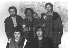 La redazione di Frigidaire al completo, febbraio 1982. Da sinistra in alto: Tanino Liberatore, Vincenzo Sparagna, Filippo Scòzzari e Massimo Mattioli; in basso: Stefano Tamburini e Andrea Pazienza