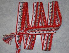 MODERNE MUSTER – Brettchenweben – Kunst und Handwerk Modern Patterns, Aries, Arts And Crafts, Linen Fabric, Threading