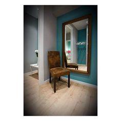 reflejos Couple Room, Hostel, Oversized Mirror, Furniture, Home Decor, Decoration Home, Room Decor, Home Furnishings, Home Interior Design