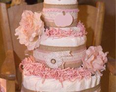 Mini princesa rosa y tortas de pañales de oro por AllDiaperCakes