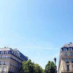 Good morning Paris!   En espérant que vous passez de très bonnes vacances pour les chanceux ou que vous profitez des jolis rayons de soleil...