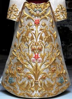Embroidery Suits, Gold Embroidery, Vintage Embroidery, Embroidery Patterns, Batik Art, Clothing And Textile, Fashion Design Drawings, Gold Work, Bobbin Lace