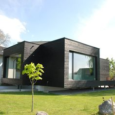 Casas estilo moderno: ideas, arquitectura e imágenes de schroetter-lenzi architekten moderno Prefab Homes, Modular Homes, Style At Home, Casas Containers, Building A Container Home, Container Architecture, Weekend House, House In The Woods, Home Fashion