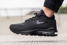 "Nike Air Max 93 ""Triple Black"""