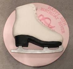 Ice Skating Boot Cake Ice Skating Cake, Ice Skating Party, Skate Party, Birthday Cakes, Beauty, Fondant Flowers, Pies, Birthday Cake, Beauty Illustration