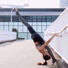 Amazing outdoor pose  http://amzn.to/2rsrXXL