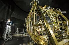 Simulación de espacio para cuatro instrumentos infrarrojos de JWST-La construcción de un telescopio espacial no es poca cosa. Las condiciones aquí en la Tierra son drásticamente diferentes de aquellos experimentados en órbita alrededor de nuestro planeta. ¿Cómo sabemos que cualquier telescopio construido en nuestros laboratorios controlados puede soportar las duras condiciones del espacio?