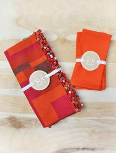 Plaksh Table Mats and Solid Napkins (Set of 6)