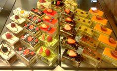 mini desserts, cookies, cupcakes, trifles, cheesecakes, cake pops, mini cakes, brownies