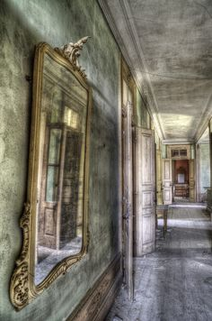 Mirror by Laurentzi Martinez Morilla